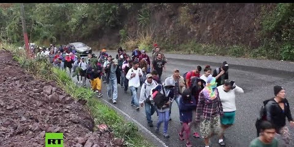 """Video: Trump: """"México no está haciendo nada para detener la caravana de migrantes que se dirige a EE.UU."""""""
