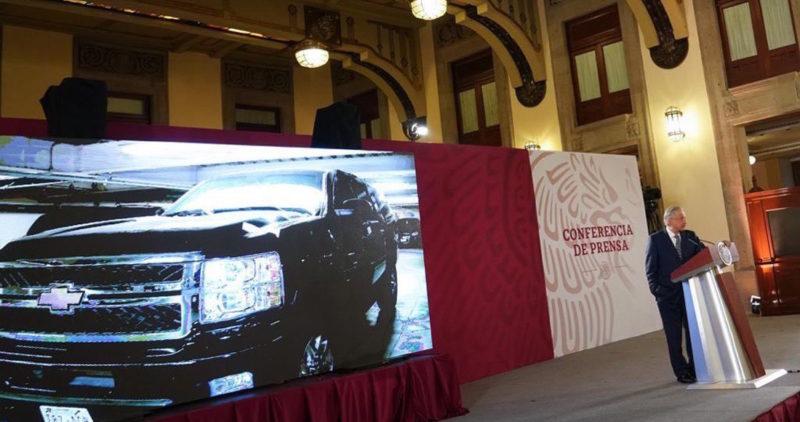 Pásele, pásele: AMLO anuncia tianguis de autos de súper lujo, blindados, que usaba el Gobierno de Peña