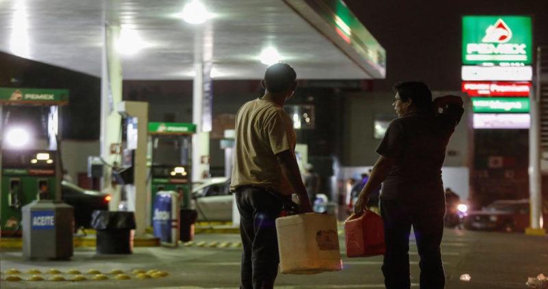 Y ahora también lanzan venta de gasolina por Facebook: el litro lo expenden hasta en 32 pesos