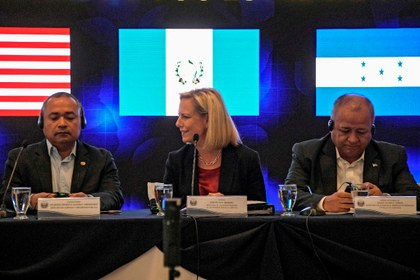 EU exige a países de Centroamérica que pongan un alto a las caravanas