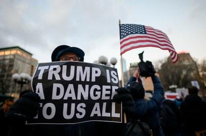 "Coalición de 16 estados demandan a Trump por ""emergencia nacional"""