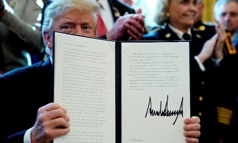 Video: Trump veta la resolución del Congreso de EE.UU. que debía poner fin a la emergencia fronteriza