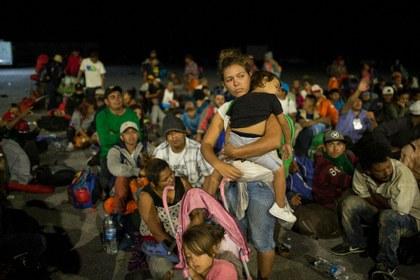 Nueva caravana de más de 1,500 de migrantes inicia marcha desde Chiapas