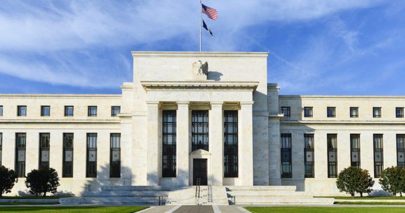 La Fed mantiene en 2.25% y 2.5% las tasas de interés en EU; disminuye perspectiva de crecimiento al 2.1%
