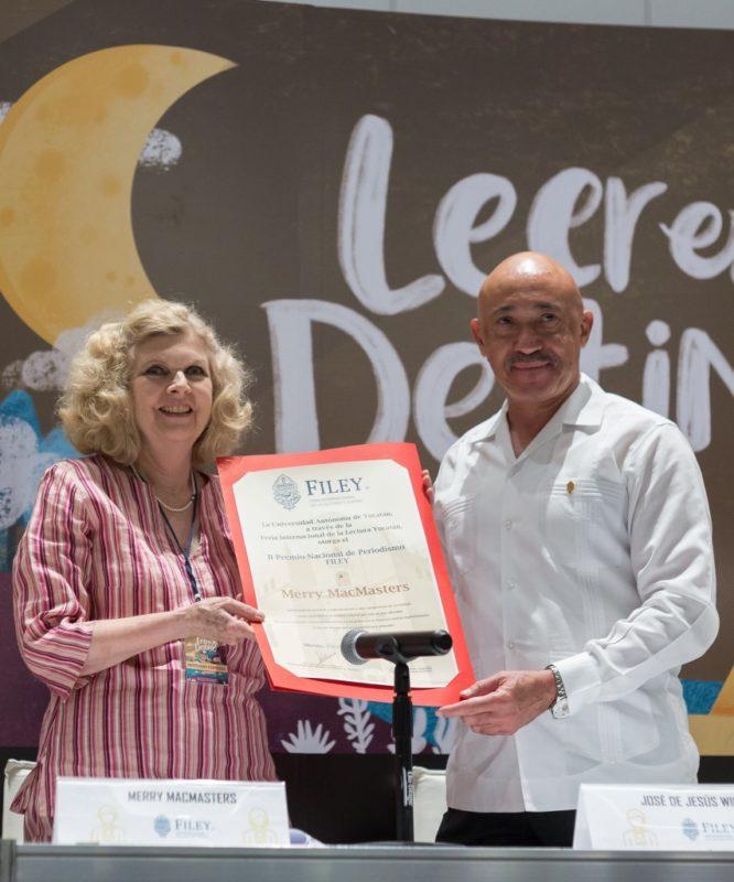 Recibe la periodista Merry MacMaster el Premio de Periodismo Filey