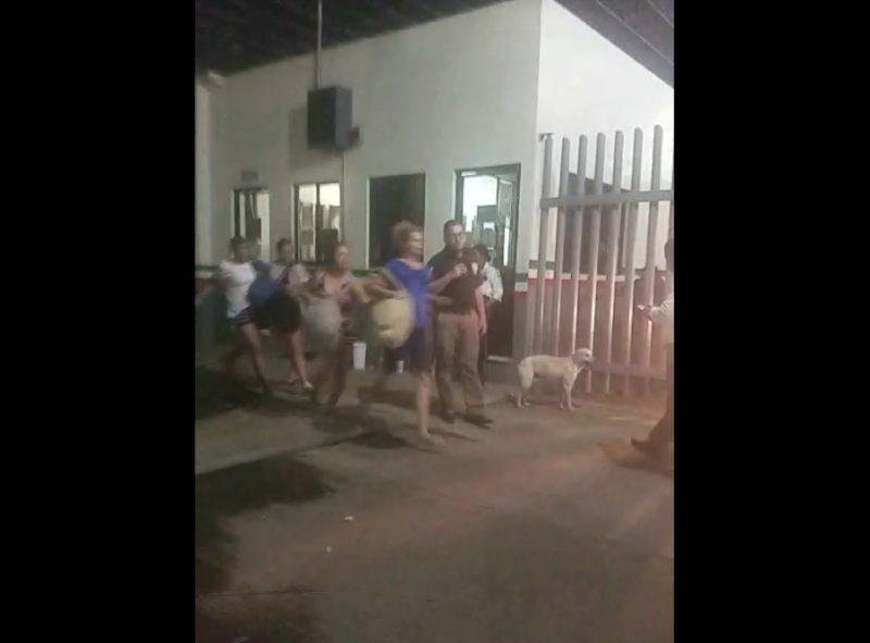 Videos: Amotinamiento y fuga de 1300 migrantes en la estación Siglo XXI en Tapachula, Chiapas
