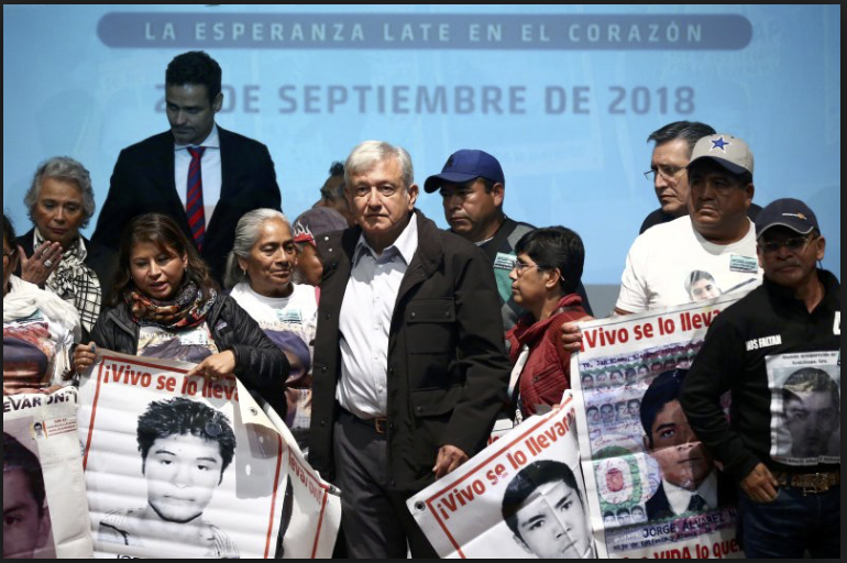 Comisión Presidencial en Caso Ayotzinapa acuerda crear un grupo de búsqueda en vida y en fosas para dar con el paradero de los 43