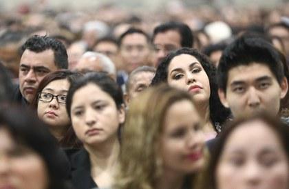 Mexicanos en el exterior exigen formar parte del proceso de cambio