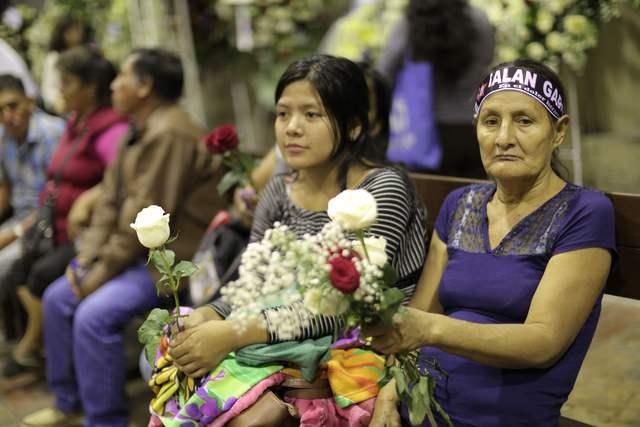 Miles de peruanos despiden a ex presidente Alan García