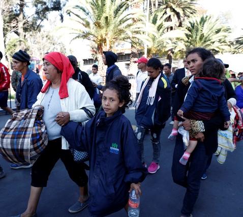 México deja de ser país en tránsito de migrantes centroamericanos y venezolanos para convertirse en destino