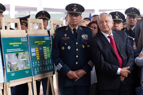 Operará el aeropuerto de Santa Lucía en 2021: AMLO