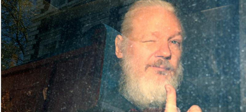 Assange ofrecería colaborar con Suecia y rechaza extradición a EU