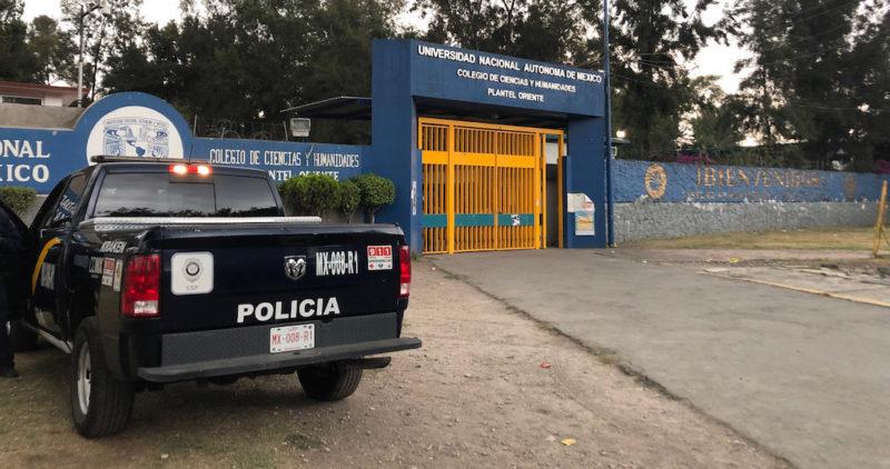 Muere estudiante en el CCH Oriente de la capital mexicana, posiblemente de un balazo, dentro de su salón de clase