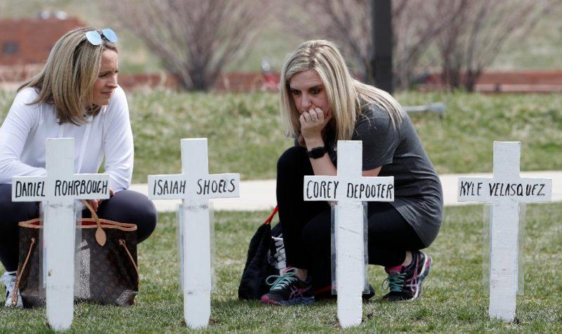 124 estudiantes han sido asesinados dentro de planteles, desde la masacre de Columbine, en la que murieron 12 alumnos y un maestro, hace 20 años
