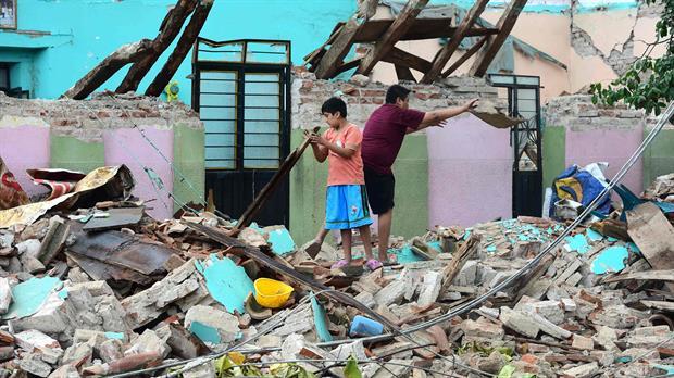 Gobierno de AMLO hará conjuntos habitacionales para damnificados de los sismos de 2017 y 2018