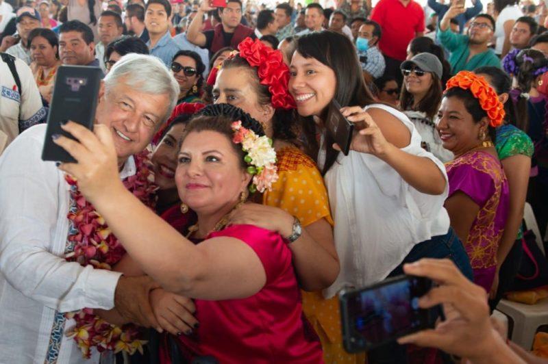 """AMLO desde Oaxaca: """"Ya chole con los pleitos, requerimos la unidad para sacar adelante a México"""""""