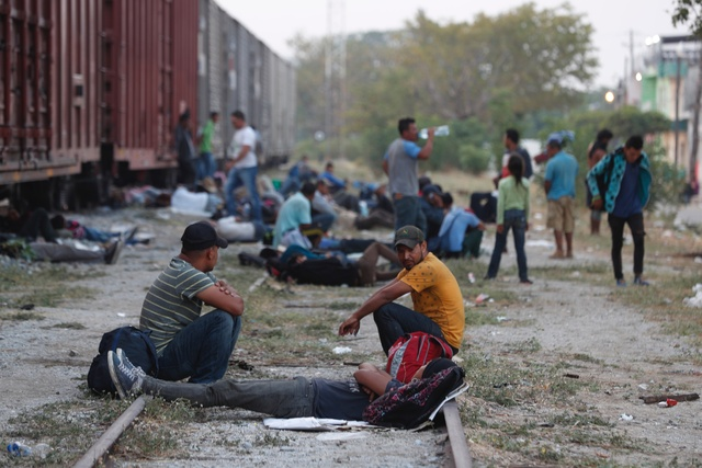 Repatrian a 104 migrantes hondureños por estancia irregular en México