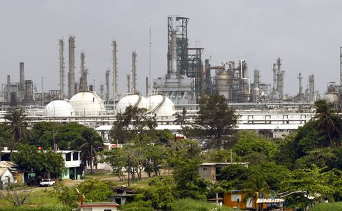 Ya se detuvo la caída de producción de Pemex, asegura López Obrador