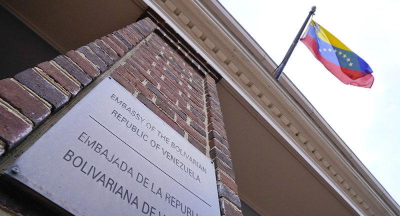 Venezuela advierte a EEUU de acciones recíprocas si toca sus sedes diplomáticas