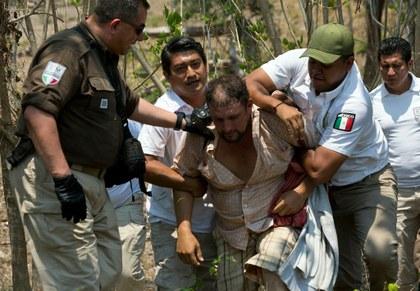El caos y el descontrol marcan la fuga de migrantes de centros de detención en México