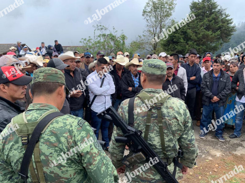 Campesinos retienen a más de 50 militares y policías en Guerrero; exigen fertilizante y advierten que pueden padecer hambruna