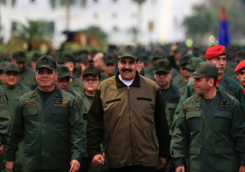 Llama Maduro al ejército a prepararse ante eventual ataque EU