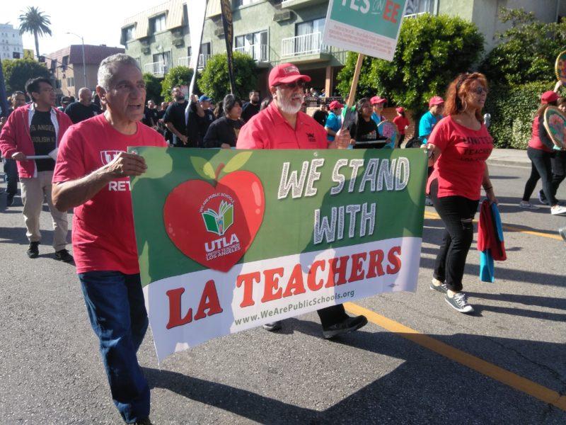 Videos: Trabajadores de Los Angeles llaman a derrotar a Trump en el 2020, en el marco del desfile del 1 de Mayo