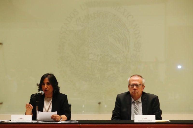 Gobierno ajustará gastos para apoyar a Pemex
