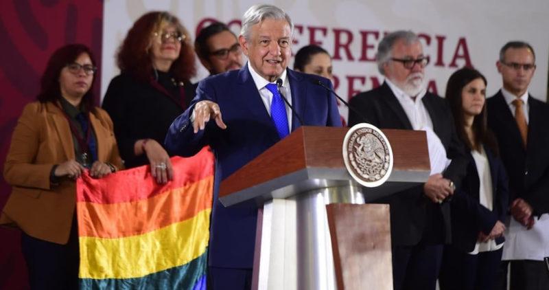 """Video: López Obrador presenta plan para erradicar del país la bifobia homofobia, lesbofobia y transfobia. """" Somos partidarios de las libertades y estamos en contra de la discriminación"""", dijo"""