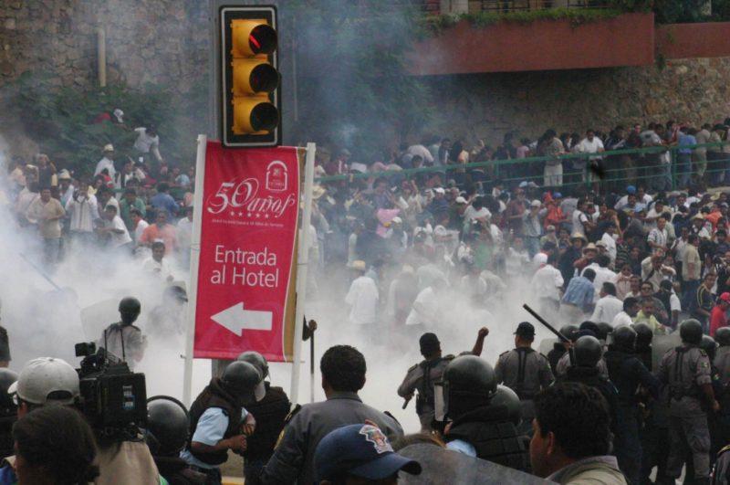 Acusan ante La Haya a Fox, Calderón y Ulises Ruiz por represión