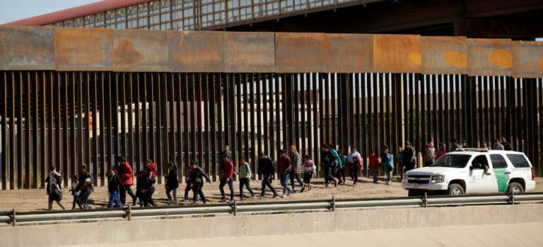 """Gobierno de Trump puede seguir enviando solicitantes de asilo a México, concluye Corte de Apelaciones; """"No lo vamos a aceptar"""": Ebrard"""
