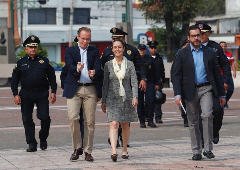 Investigan venta de armas por internet en Tepito