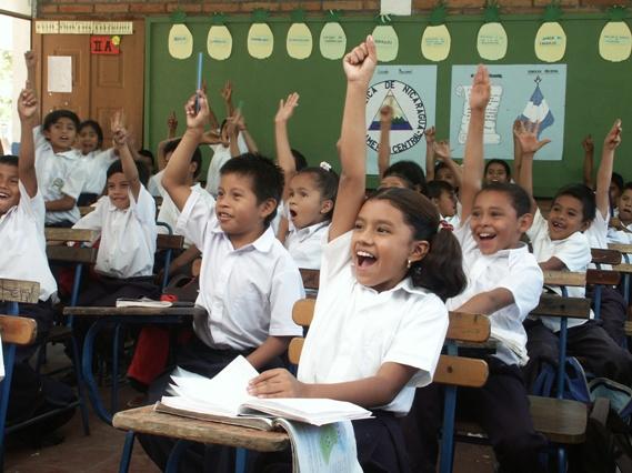 Devastaron los neoliberales la educación en México