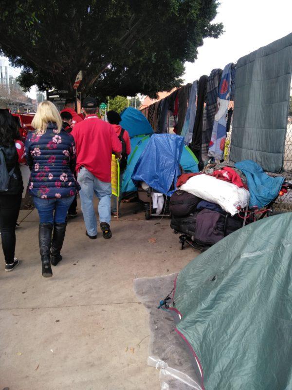 Al alza, incremento de personas sin hogar (homeless); la causa fundamental: el alto costo de las viviendas y las adicciones a drogas
