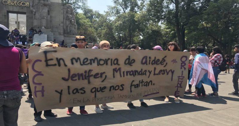 """Estudiantes marchan a CU """"en memoria de Aideé, Lesvy… y las que faltan""""; piden seguridad en UNAM"""