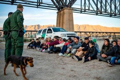 """""""¡No se pongan cómodos, se marcharán pronto!"""": Trump promete expulsar a inmigrantes ilegales"""