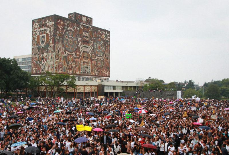 Aumentan aspirantes a ingresar a universidades mexicanas al hacerse obligatoria la educación superior en el país