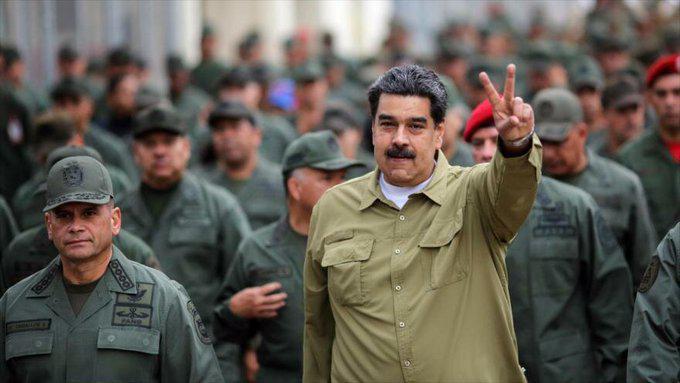 Video: Chavismo y oposición marchan en Caracas tras el intento de golpe de Estado