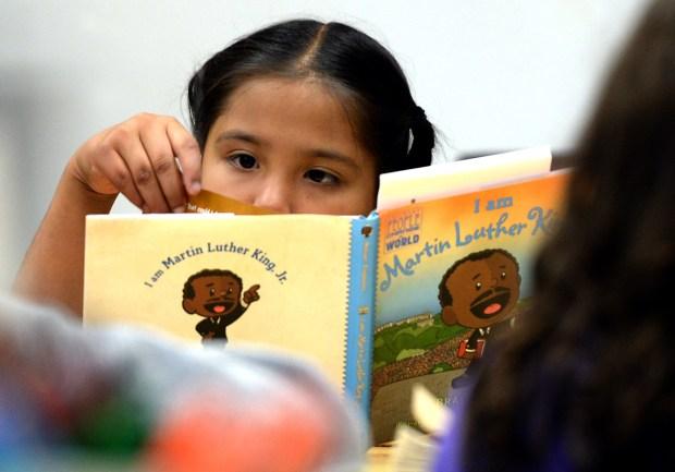 Proyectan campaña de alfabetización con sentido de urgencia ya que la mayor parte de estudiantes K-12 de California no cumplen con estándares del programa English Language Arts