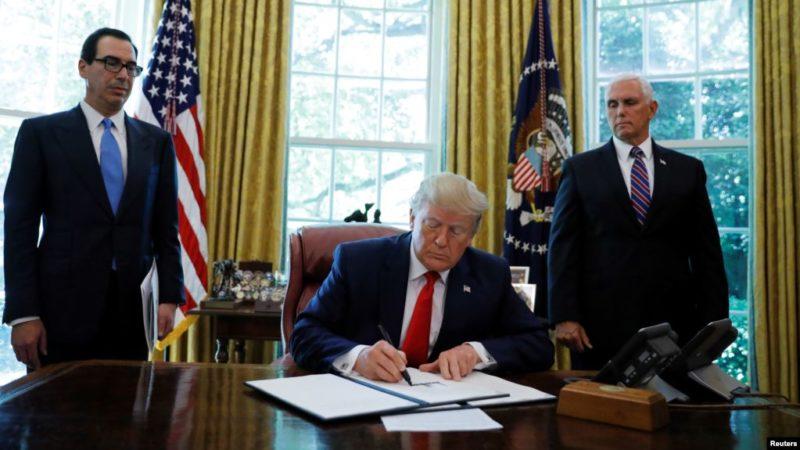 Trump congela miles de millones de dólares del líder supremo iraní y de ocho comandantes, en represalia por haber derribado el dron estadounidense