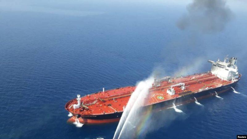 Ataque a dos barcos petroleros en el Golfo de Golfo Omán; EU culpa a Irán