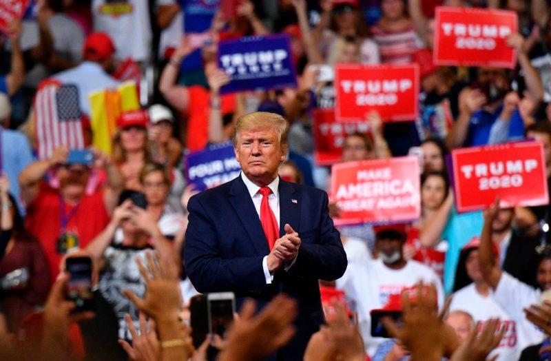 Entre amenazas, mentiras y escándalos, va Trump por la reelección