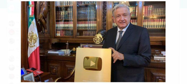 """AMLO alcanzó el millón de seguidores en YouTube; agradece a redes sociales por romper """"cerco informativo"""" de los medios tradicionales"""