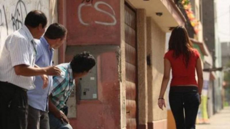 A partir de hoy chiflidos lascivos serán sancionados con arrestos y trabajo comunitario en la Ciudad de México