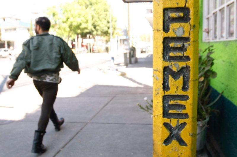 Se entrega a la Fiscalía General de la República uno de los 18  militares implicados en el robo de combustible a Pemex