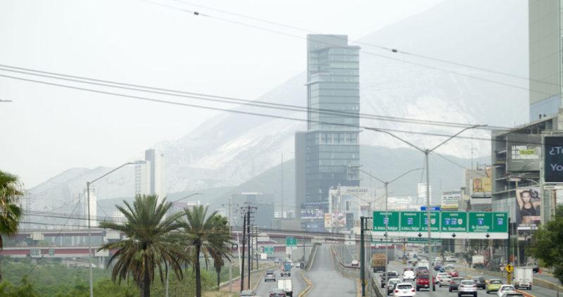 Polvo y arena del Desierto del Sahara entran a Monterrey. Caerá por días. La temperatura aumentará