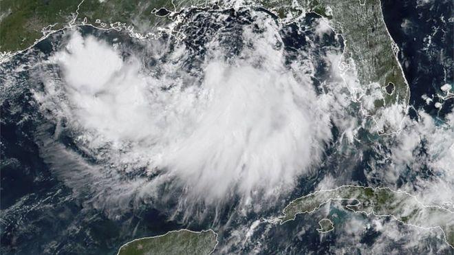 Huracán Barry toca tierra y se debilita a tormenta tropical mientras genera inundaciones en Nueva Orleans
