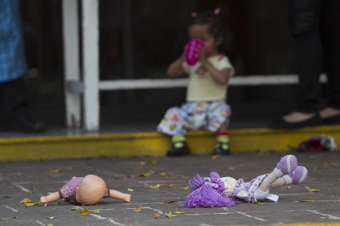 Video: Tráfico de miles de niños en Guatemala y México desde los 80, revela Telemundo