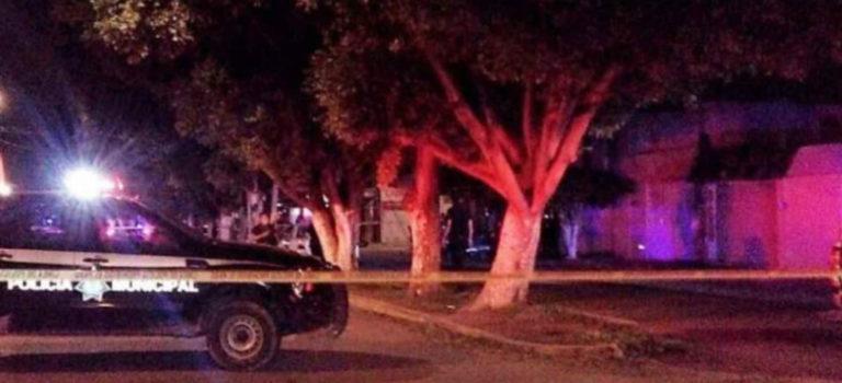 Ejecutan a agente de la Fiscalía de Guanajuato junto con su bebé. En Veracruz matan a ex alcalde y en el EdoMex asaltan una combi: 4 fallecidos y 15 heridos