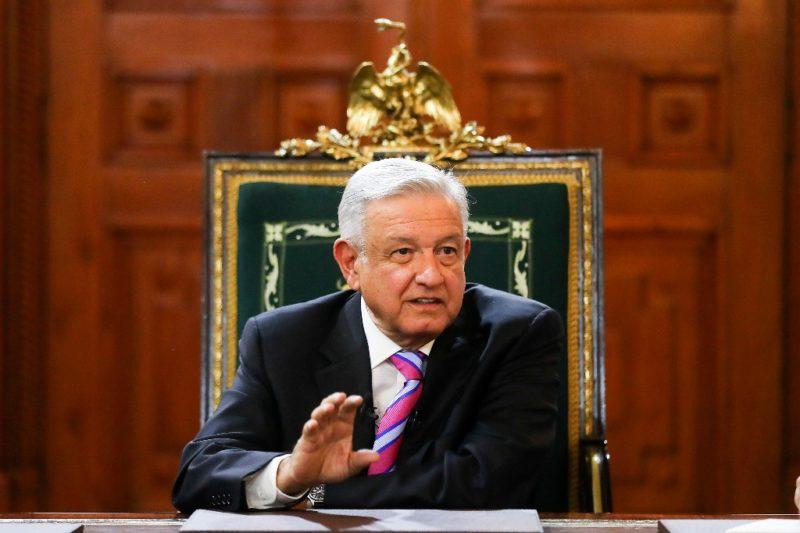 El gobierno fue secuestrado; salvó al país su grandeza, dijo AMLO al diario La Jornada